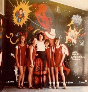 1978 Davson (teacher) With Students And Their Mural